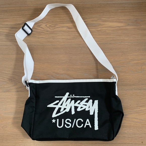 60c15ce4361 Stussy US/CA Crossbody shoulder bag black white